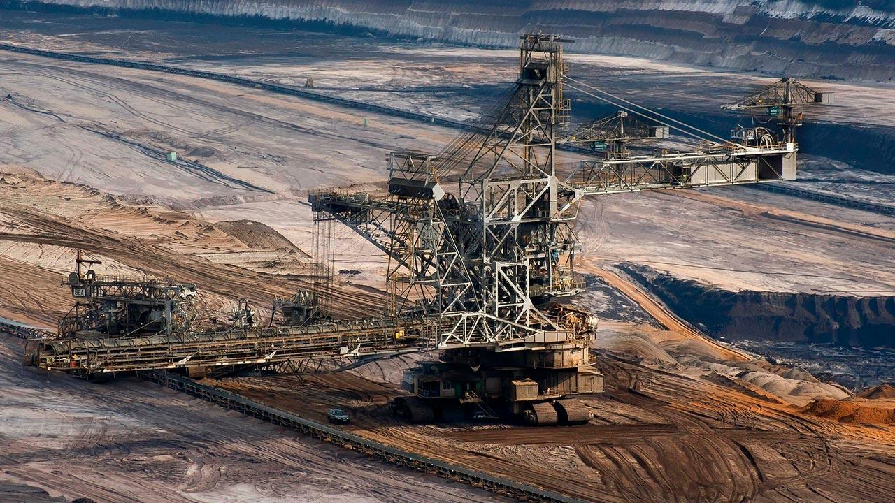 El sector de la minería nacional en los próximos diez años (muestra)