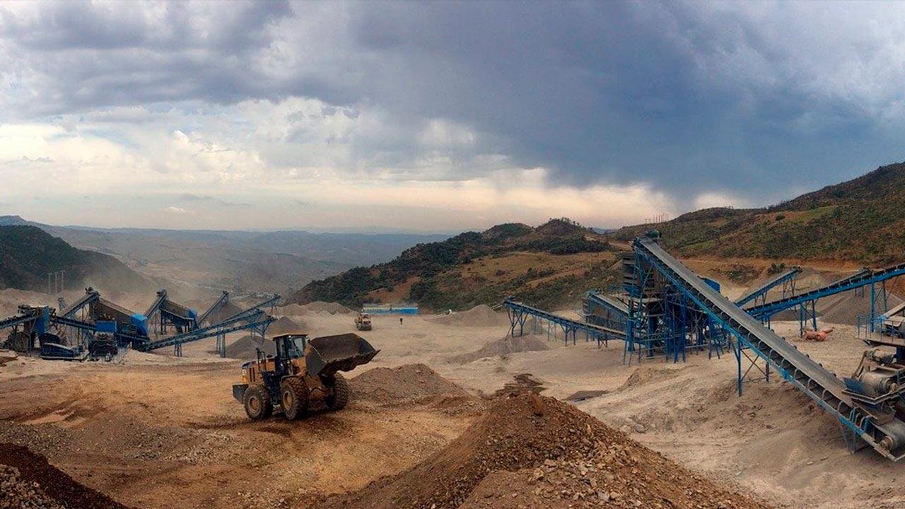 Los Colegios de Ingenieros de Minas defienden una tramitación «rápida» de los proyectos mineros (muestra)